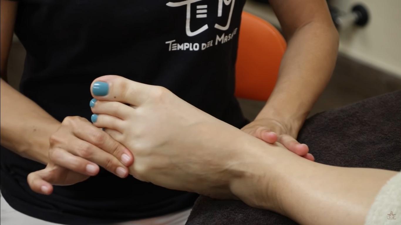Reflexología para pies hinchados
